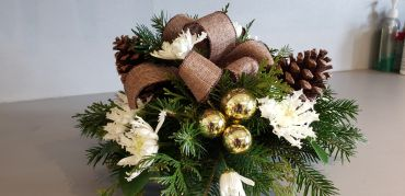 round rustic touch of the season